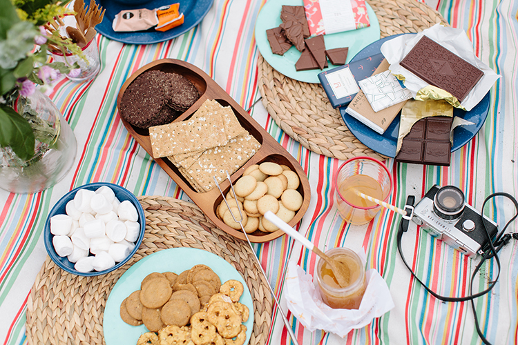 build your own s'mores bar // www.jojotastic.com #destinationsummer #kohls