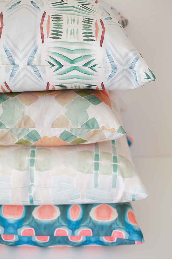 enter to win a pillow of your choosing from Bunglo // head to jojotastic.com for #giveaway details (this one is open to international residents, too!)
