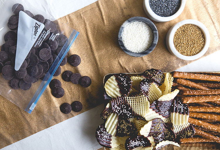 Classy But Easy Movie Viewing Party Hacks - including how to make fancy concessions stand snacks @ziplocofficial #ziploc