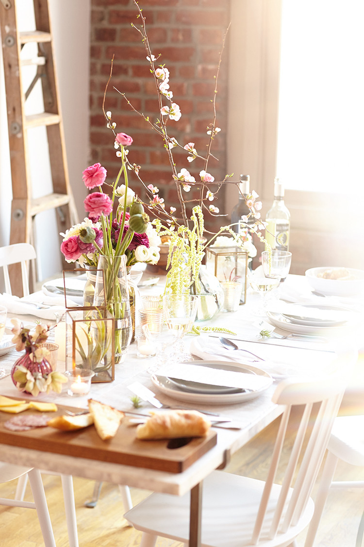 a bloom-filled housewarming party #EccoDomani #EccoStyleSociety