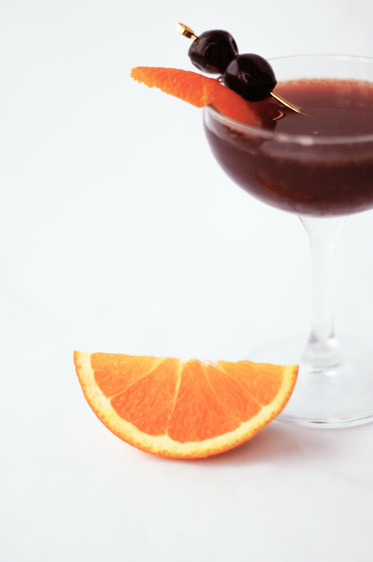 portrait of a cocktail // blood orange & sand www.jojotastic.com