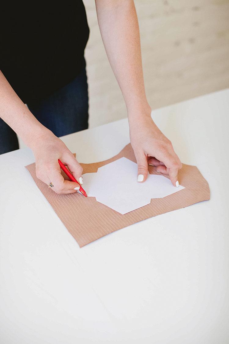 DIY // Leather Card case jojotastic.com