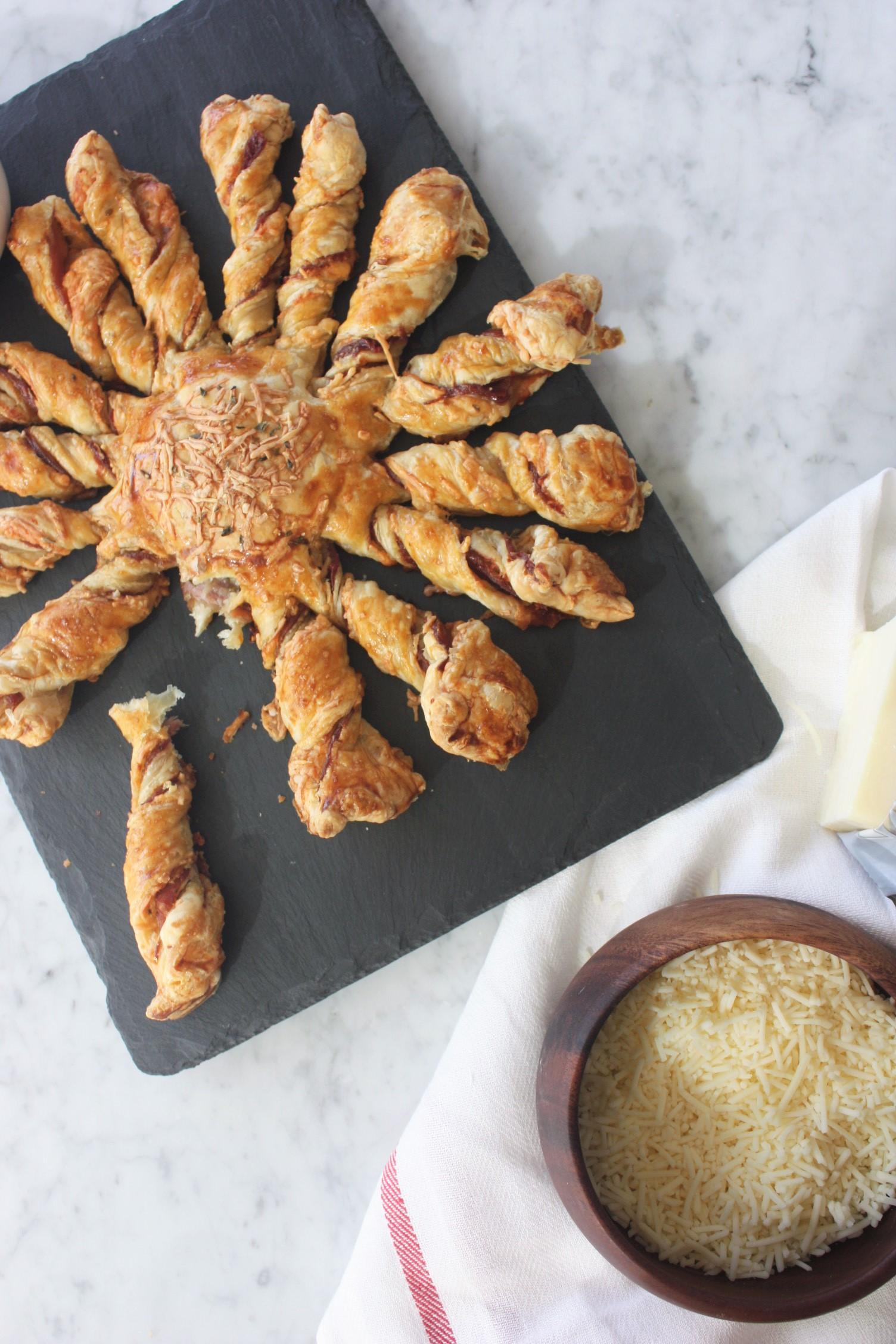 RECIPE // sunny white cheddar and prosciutto pie with @darigold // www.jojotastic.com
