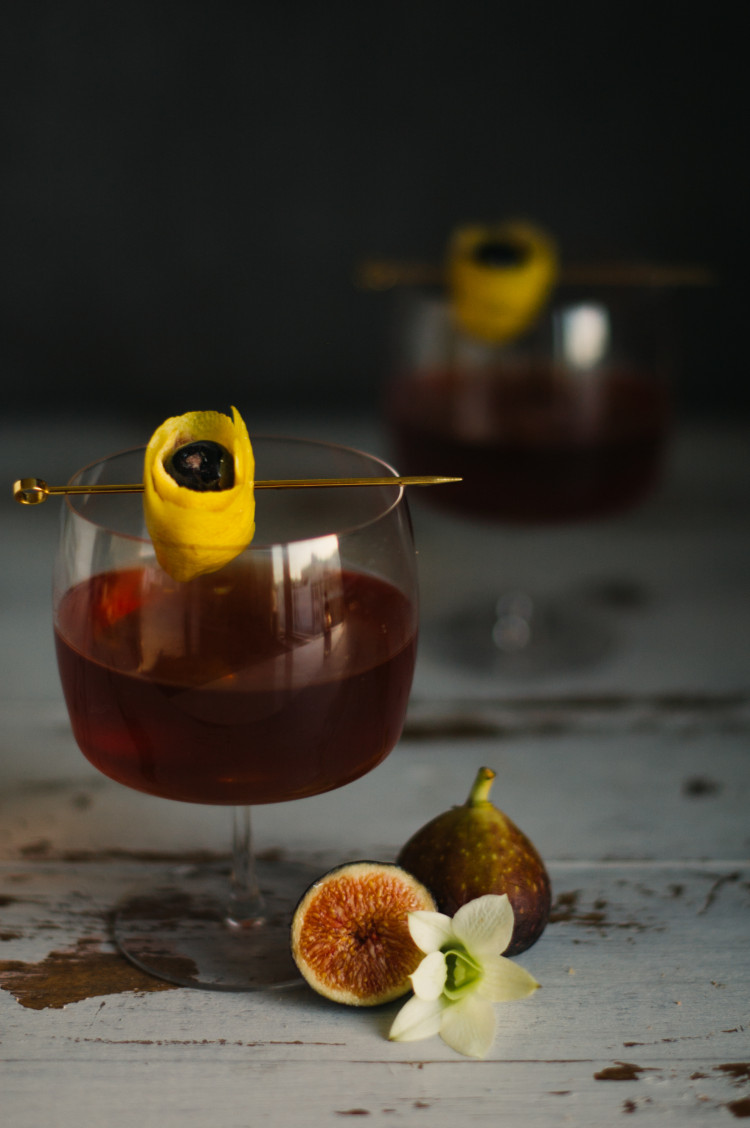 portrait of a cocktail fig manhattan // jojotastic.com