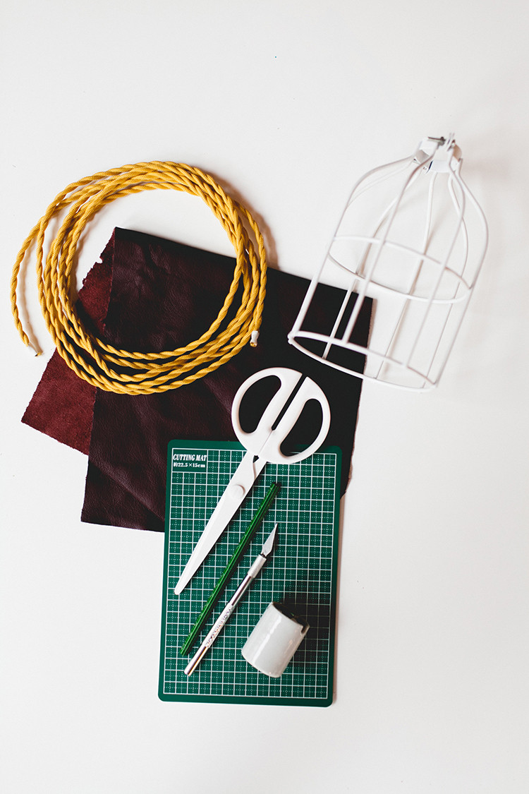 DIY pendant + leather tassel // jojotastic.com
