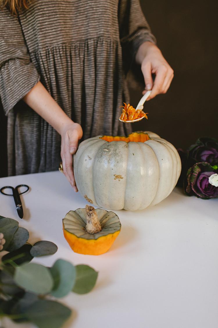 shoulda been a florist // elegant Thanksgiving centerpiece // jojotastic.com