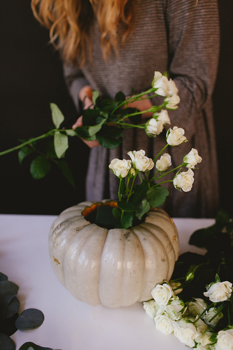 shoulda been a florist // elegant Thanksgiving centerpiece // jojotastic.com