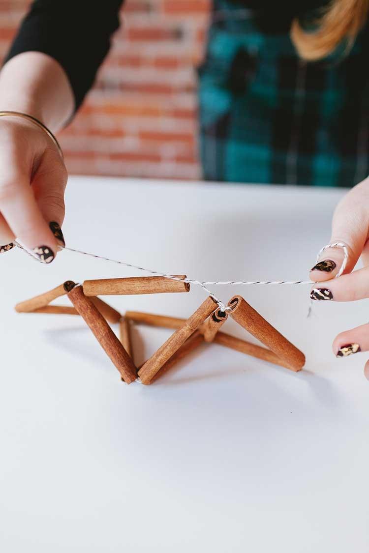 DIY cinnamon stick himmeli // jojotastic.com