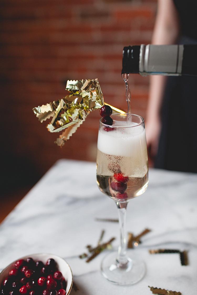 DIY festive new year's eve stirrers // jojotastic.com