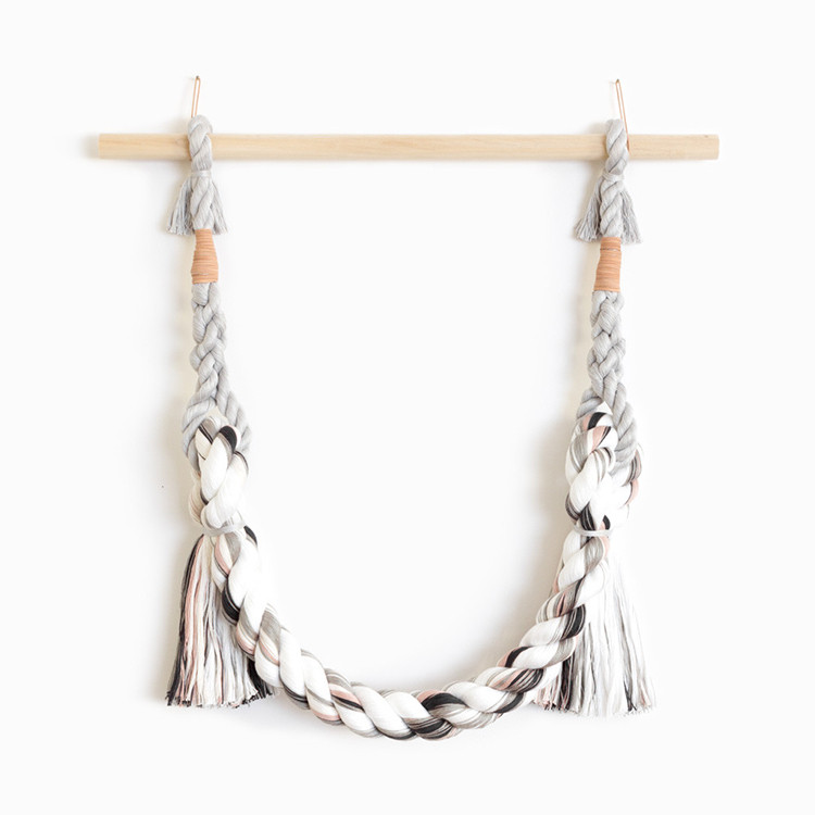 meet @WKNDLA, an amazing artist making sculptural wall hangings and jewelry with a minimalist aesthetic. see more of her gorgeous work on jojotastic.com