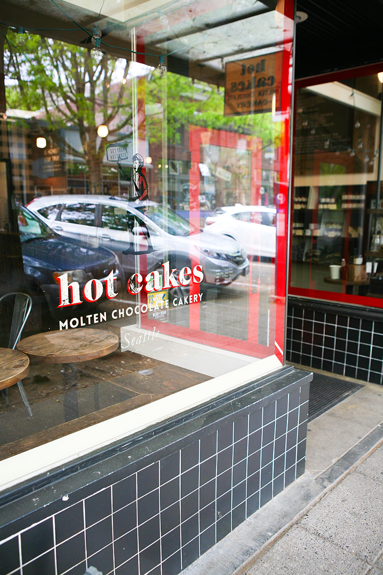 explore Seattle like a local today on the blog! check out one of my favorite snack spots, Hot Cakes, a molten chocolate cakery. Craving fancy milkshakes, grilled chocolate sandwiches, anf molten chocolate cake?? Be sure to save for later and see more on jojotastic.com