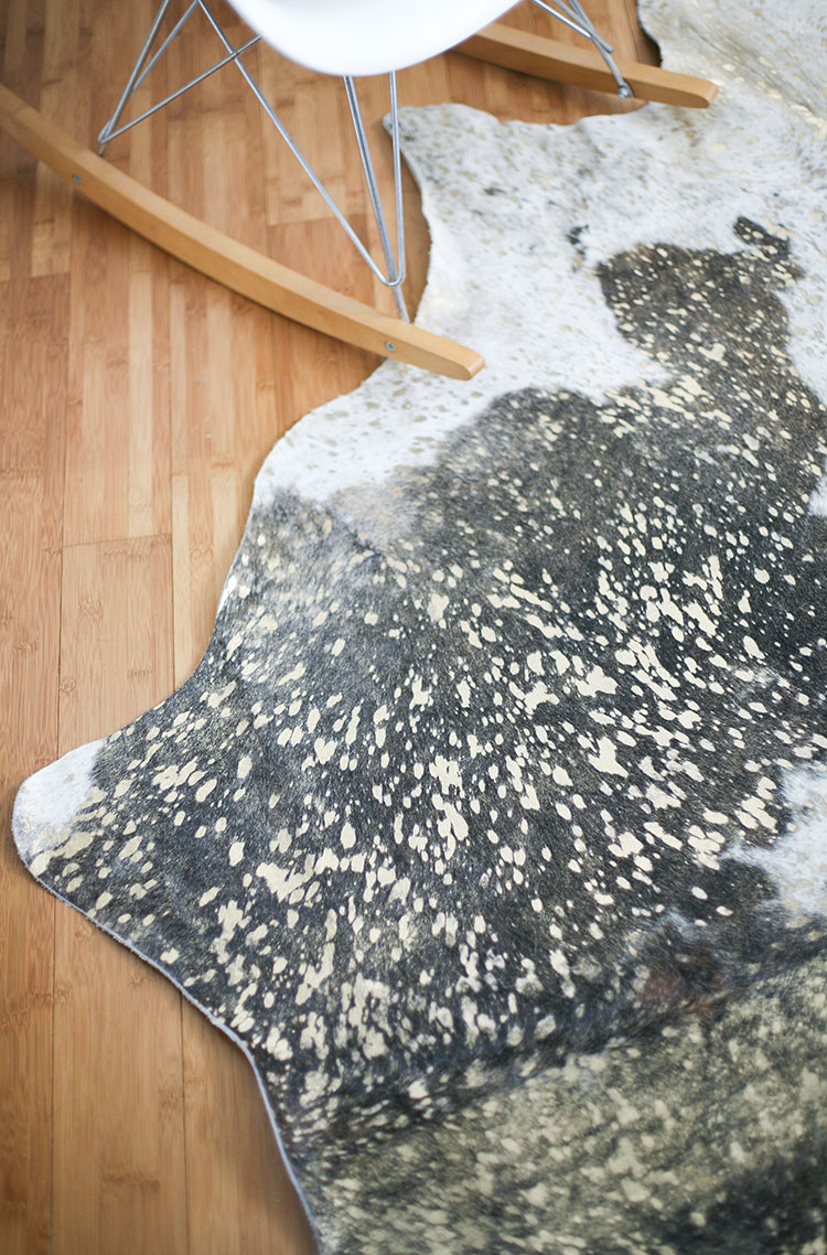 After putting a cowhide rug in my dining room makeover, I am totally obsessed! Catch my ultimate round up of cowhide rugs from @rugsdirect on Jojotastic.com — lots of home decor inspiration here!