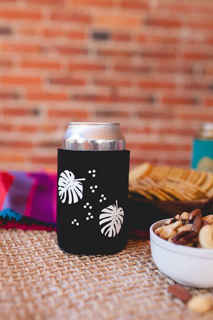 Monstera Leaf Koozies - Jojotastic