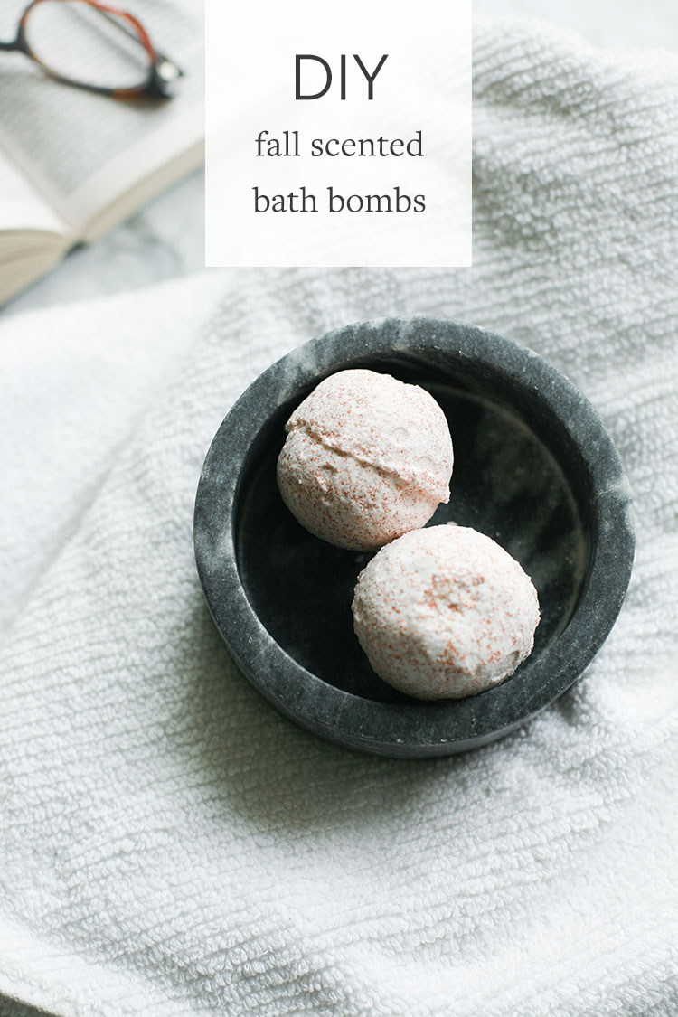 DIY fall scented bath bombs are the perfect handmade gift for anyone who needs a little extra relaxation, or just a fun project to treat yo' self! find the easy step-by-step directions and more giftable DIY's on jojotastic.com