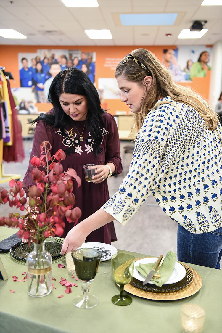 Recently I helped style 3 holiday tablescapes for entertaining inspiration with the Seattle Goodwill! Be sure to check it out on Jojotastic.com