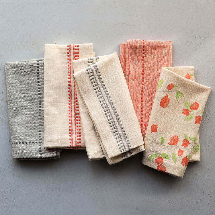 Today I'm sharing my favorite sources for cloth napkins — There's something that feels grown up when you use a cloth napkin instead of paper one! I also think of cloth napkins as jewelry for my table — easily swapped out depending on your mood and preferred style that day. Get my favorite home textile resources on Jojotastic.com