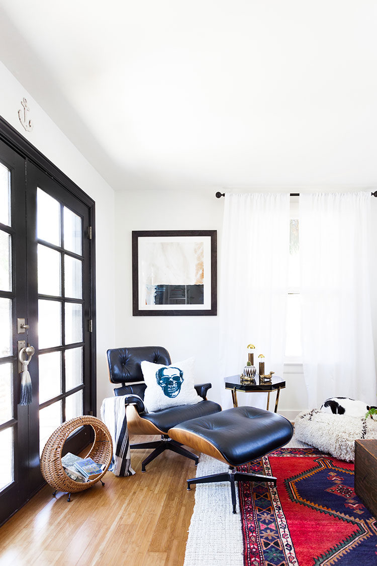 5 of my best small space hacks including tips for how to paint your ceiling to make it feel taller, where to hang curtains, using dark paint in a small space, and more! #smallspaces #tinyhouse #tipsandtricks #fixerupper #smallhouse