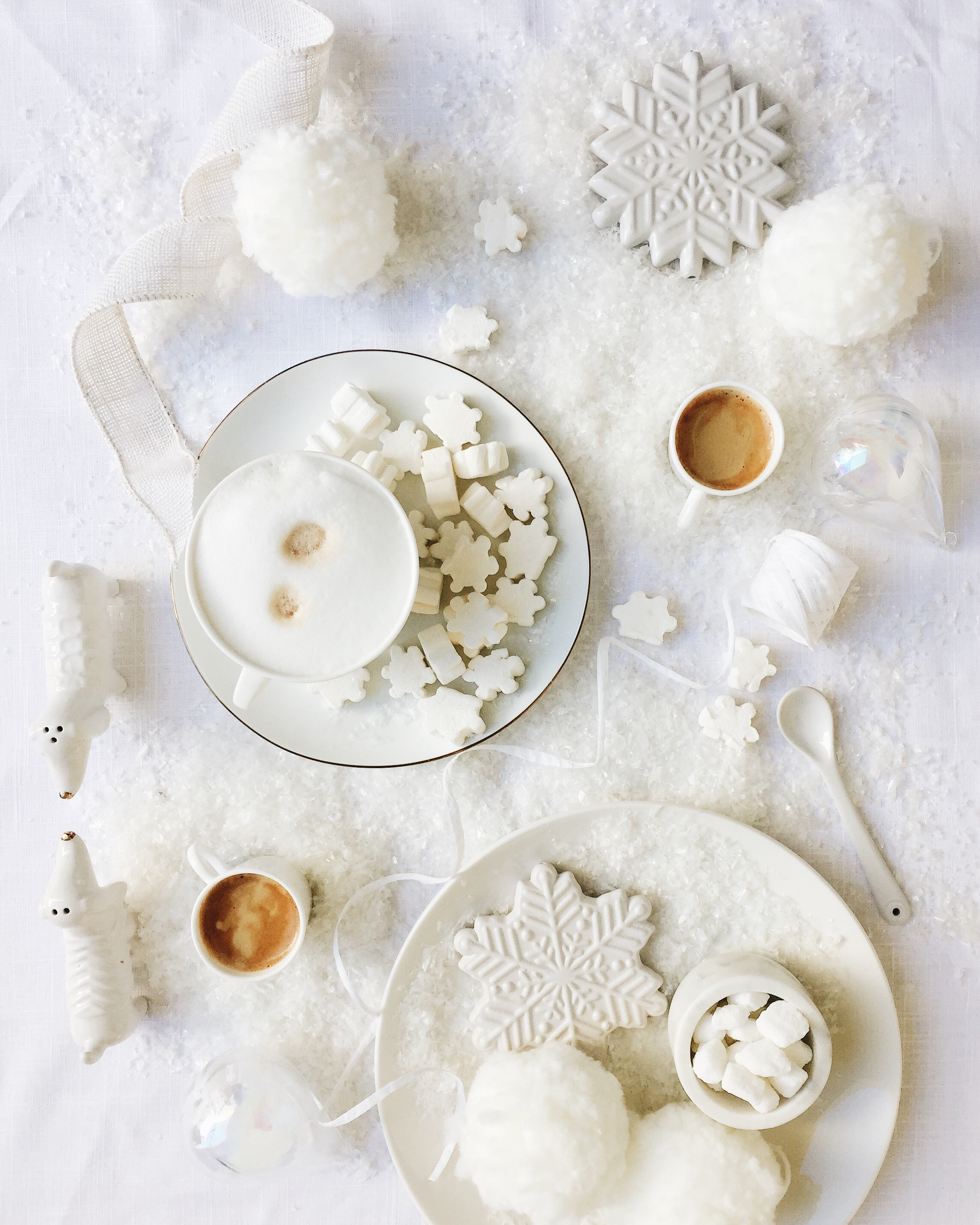 All-white Winter tablescape and styling inspiration — see more on jojotastic.com