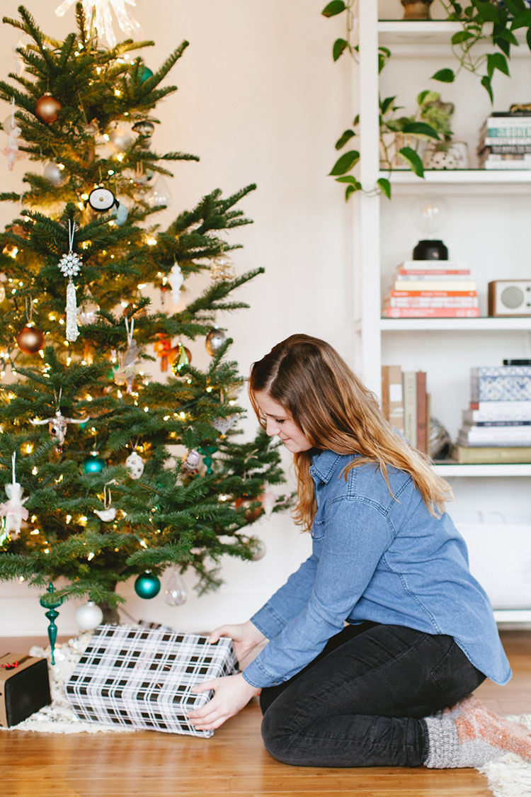 PNW style essentials + gift giving with @GHbass — shop these American heritage staples for women and men + get more cozy, winter fashion inspiration on Jojotastic.com #ghbass #adventureawaits #ad