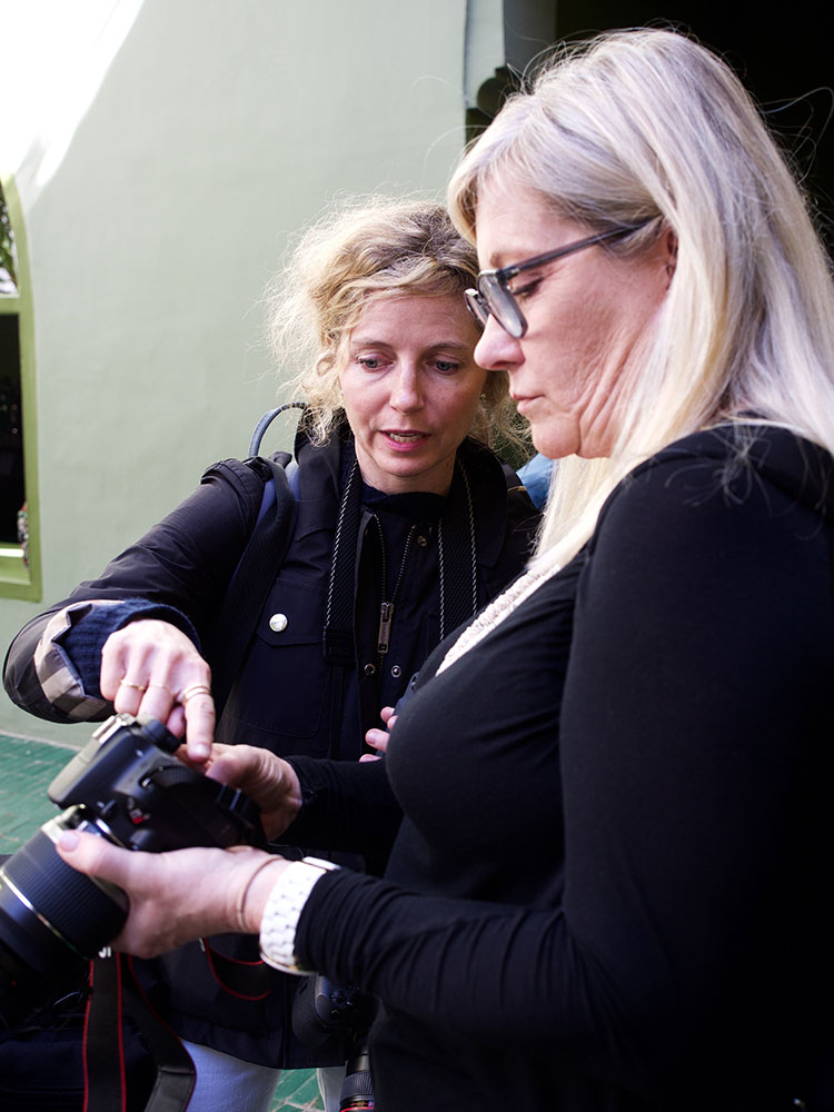 looking to improve your photography and styling skills? join us in italy for these amazing styling workshops and retreats taught by Annette Joseph! an absolutely MUST for boosting your creative business goals.
