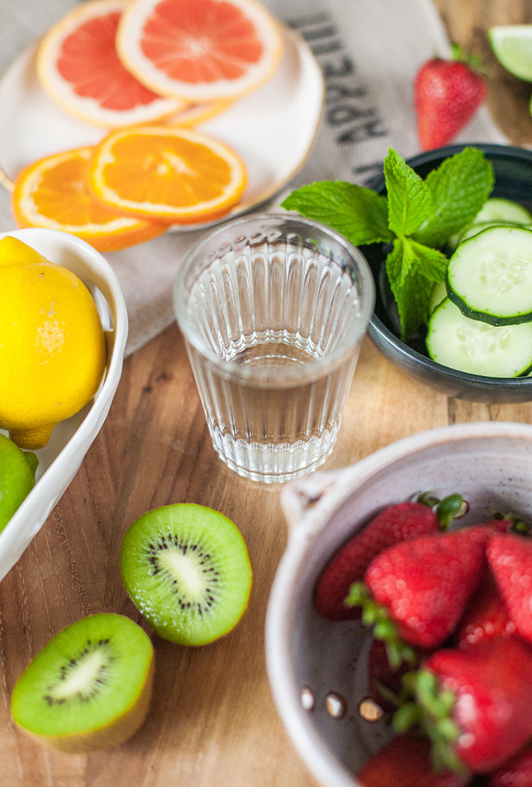 how I stay hydrated (even when I'm too busy) with @BritaUSA + fruit infused water recipes and combinations! #FilteredLife #ad
