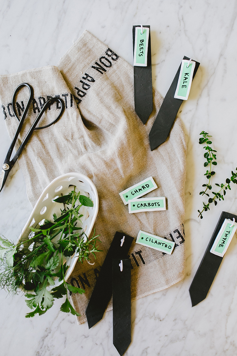 Dress up your garden with these pretty markers made from oven-bake clay. Get the full DIY at Jojotastic.com