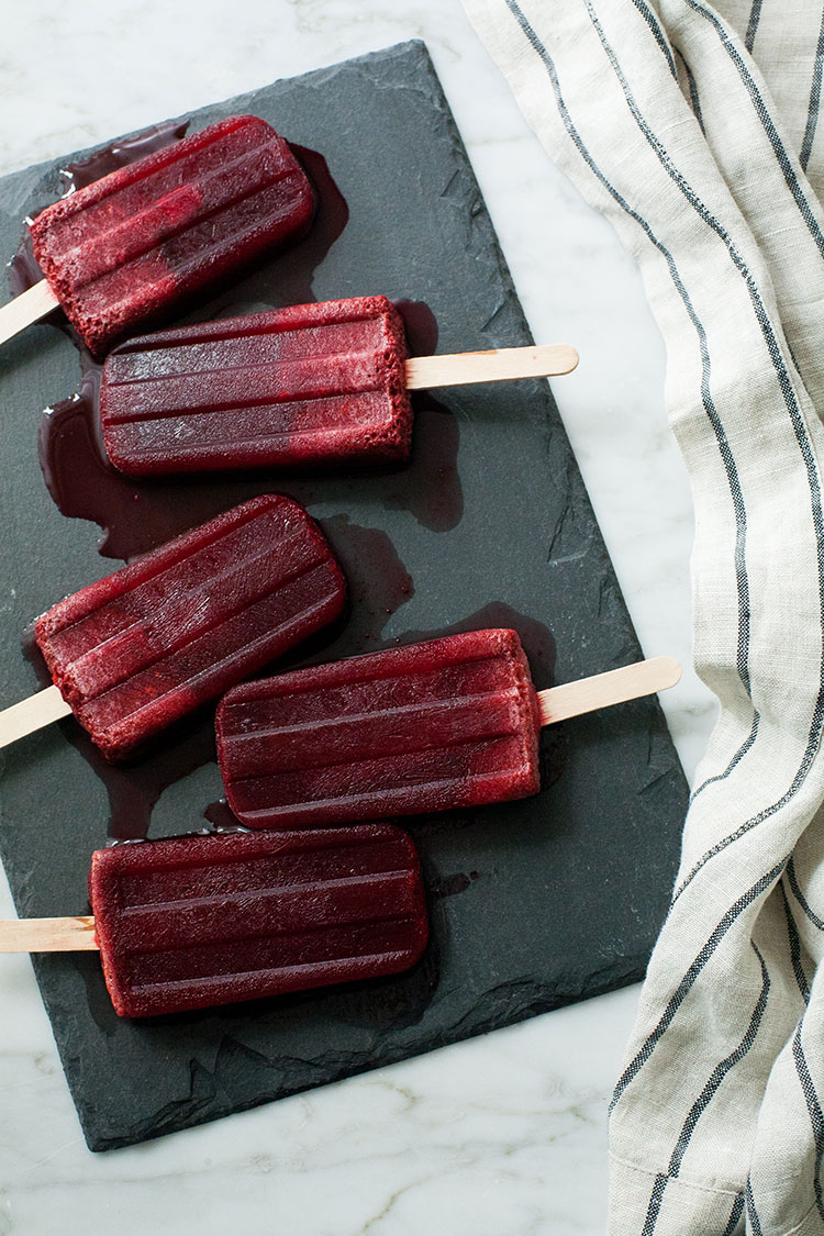 recipe for minty hibiscus blackberry popsicles for #popsicleweek via jojotastic on jojotastic.com