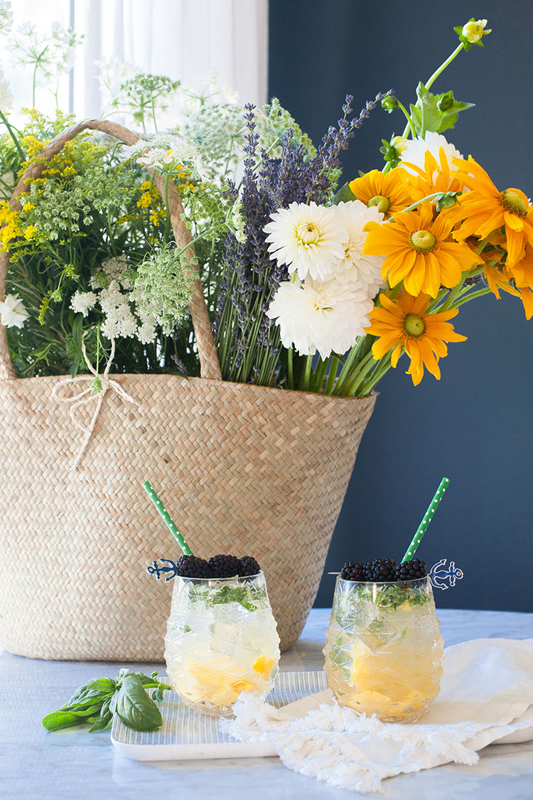 easy summer cocktail recipe for Mango Basil Bourbon Smash on jojotastic.com