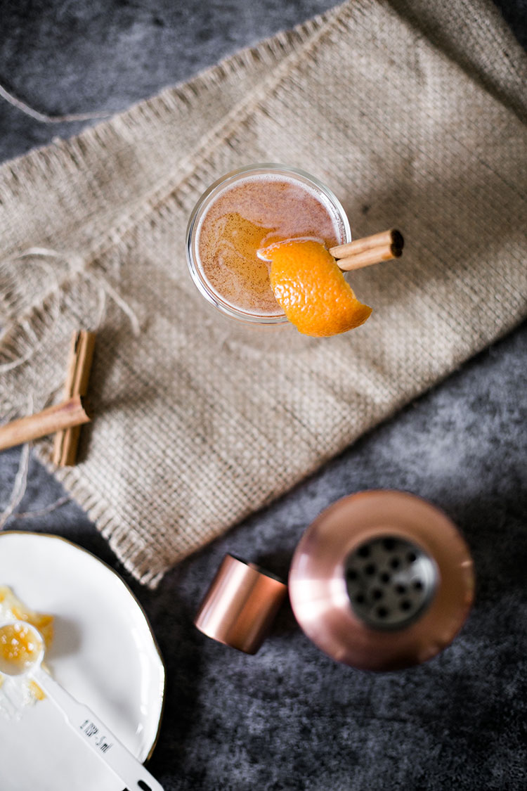 Cheers to fall and Halloween with this Spiced Rye and Jam cocktail recipe. A spicy, autumnal twist on the gin and jam cocktail. #ryewhiskey #cocktailrecipe