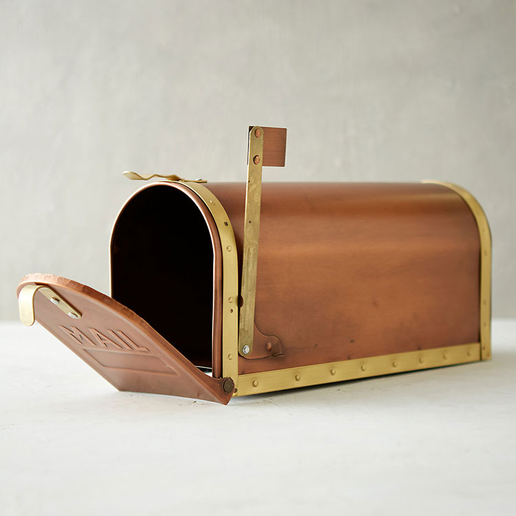 stylish mailbox round up (+40 sources!) including locking mailboxes, wall mount, post mount, and monogrammed mailboxes. via jojotastic.com