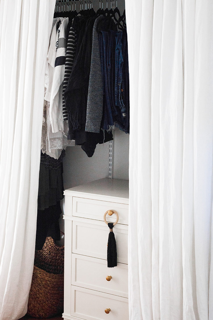5 tips for staying organized in a small space! #smallspace #tinyhouse #tipsandtricks #smallspaceliving #organization