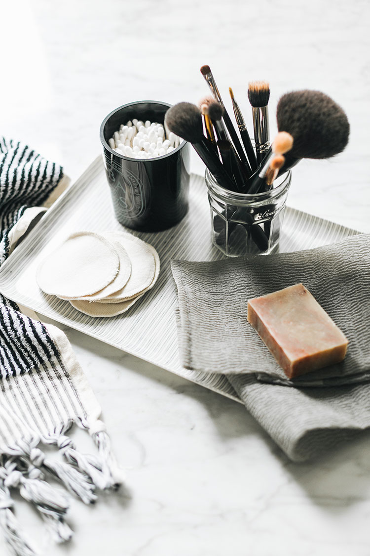 5 ways to reduce waste in your bathroom. #greenliving #eco #smallspaces #sustainableliving #sustainable #sustainability #skincareroutine