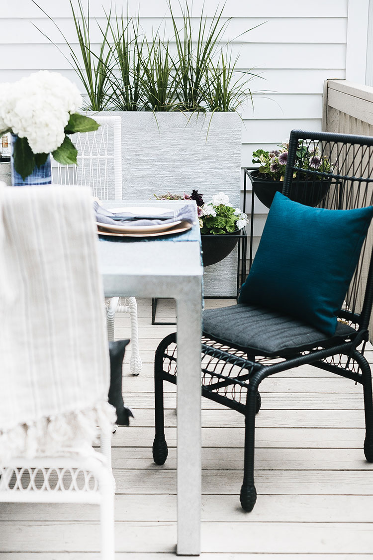 One Room Challenge: backyard oasis reveal! A 6 week renovation makeover of my Seattle backyard with Rock Ridge Blue Stone Pavers, @SherwinWilliams Black Alder SuperDeck Stain, Dunn Lumber @dunndiy @Overstock @Bellacor @LampsPlus @pompomliving @storimodern @mycraftyhmelife #oneroomchallenge #renovation #beforeafter #backyardmakeover #backyardinspiration #backyardoasis #backyard