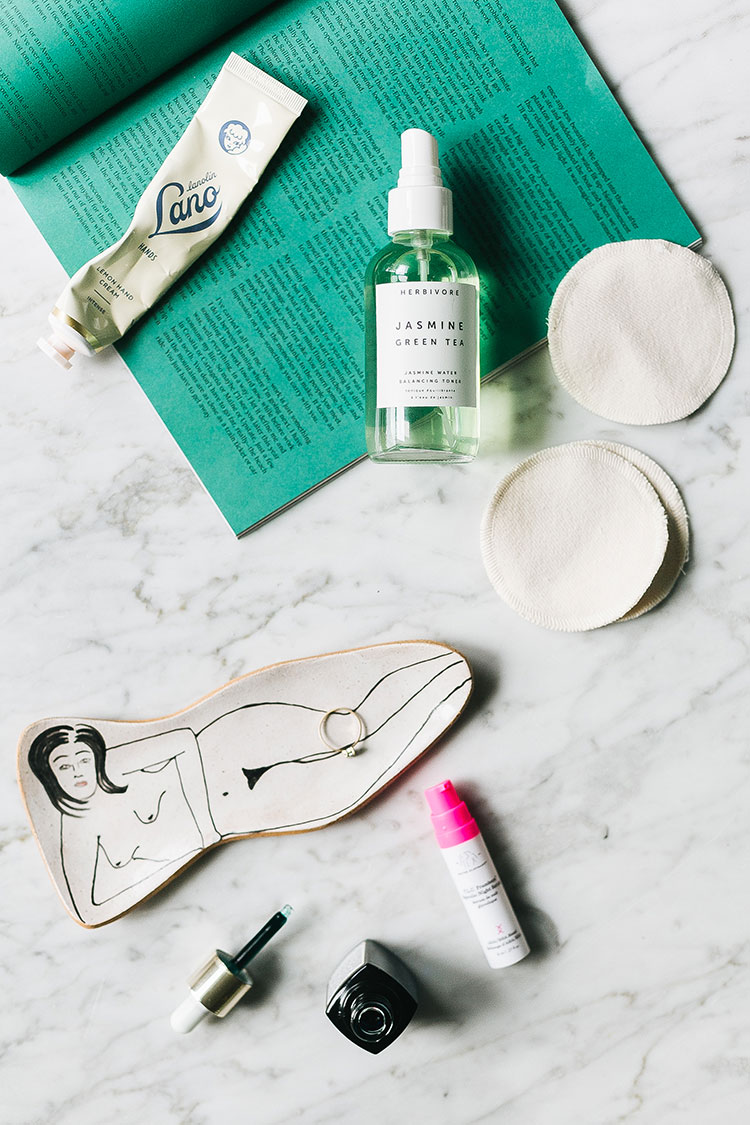 how I maintain clear skin during a renovation. #skincare #fixerupper #renovation #clearskin #beauty #beautyroutine #skincareroutine #beautyblogger