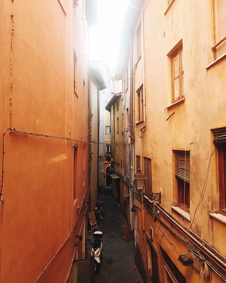 the weekend edit - secret alleyway in pisa, italy. #travel #italy #pisa #wanderlust