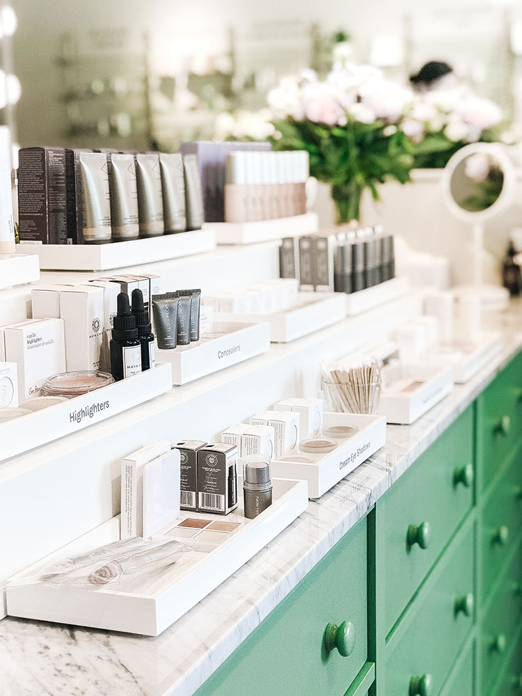 Follain a new store in Seattle. #naturalskincare #naturalbeauty #cleanbeauty #nontoxic @shopfollain
