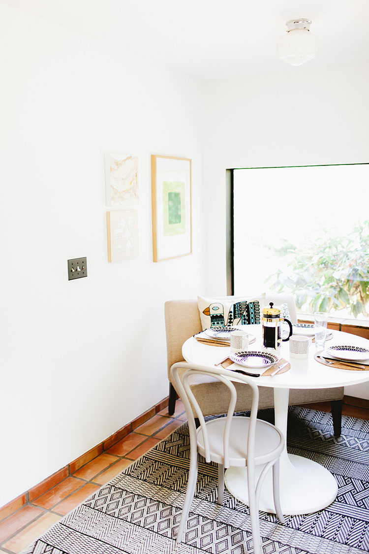 5 Tips for Making Low Ceilings Feel Taller in a small space or tiny home. #decortip #interiordesign #smallspaces #smallspace #tinyhome #tinyhouse