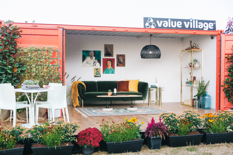 How I styled my dream shipping container home using only secondhand and thrifted decor and furniture pieces from @saversvvillage for #NationalThriftShopDay plus tips for a successful thrift shopping trip! #RethinkReuse #ThriftLife #ad #thrifting #smallspaces #shippingcontainerhome #tinyhome