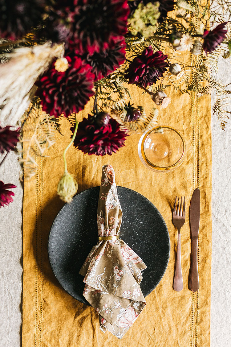 3 Ways to Style a Grown Up Halloween Party. Modern rustic, modern dramatic, and traditional fall inspiration for a fall inspired tablescape. #halloween #halloweenparty #grownuphalloween #tablescape #party #partyinspiration #fallinspiration #fallstyling #tablestyling