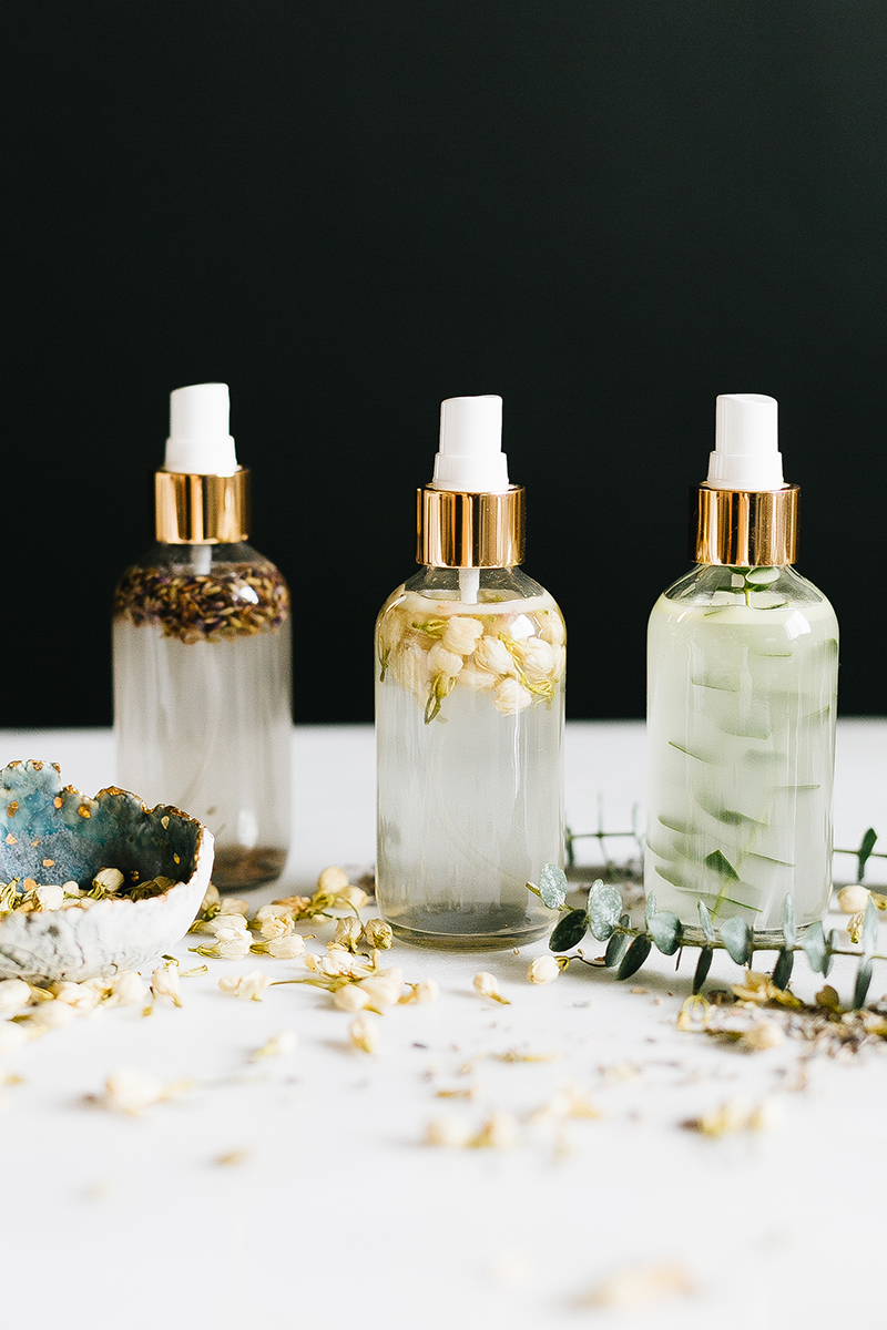 Essential Oil Room Spray Diy Make Your Home Smell Great In 30 Min Jojotastic