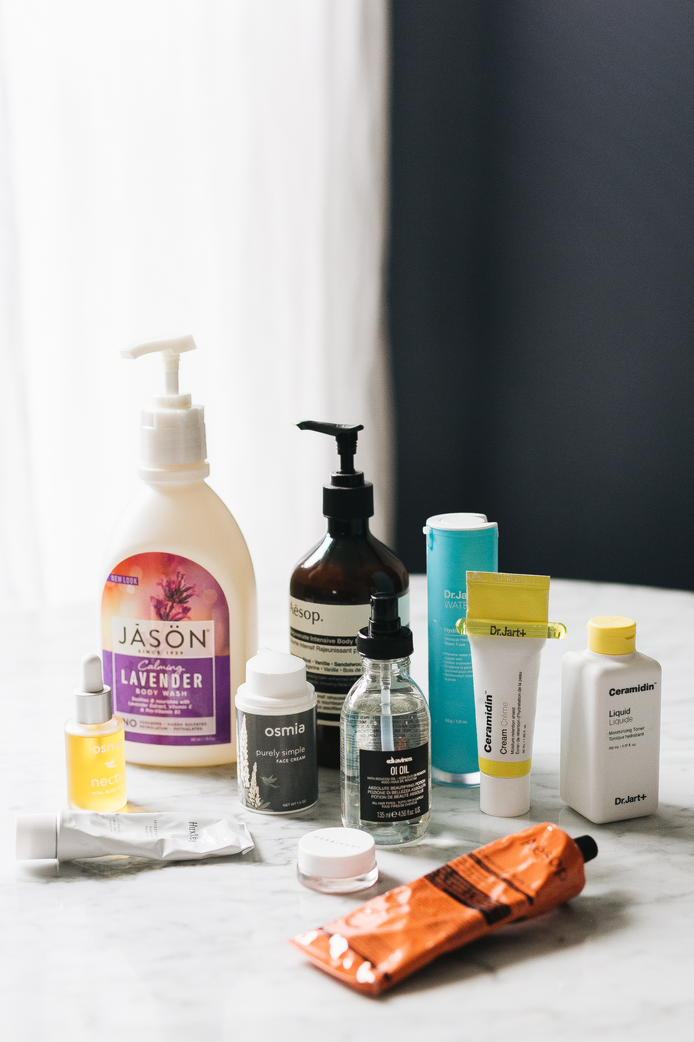 My Holy Grail Winter Skincare Products for hair, face, and body. #skincare #winterskincare #skincareroutine #moisturize #facialproducts #skinproducts #beauty #beautyproducts #organicbeauty #cleanbeauty