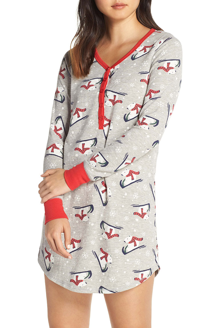 Festive Holiday Pajamas, Perfect for Christmas Morning Lounging via jojotastic.com #pajamas #pjs #christmasmorning #christmaspjs #christmaspajamas #holidaypajamas