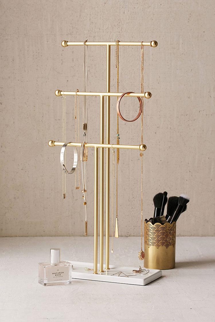 20 Functional And Stylish Jewelry Storage Ideas Jewelrystorage Smalles Smallstorage