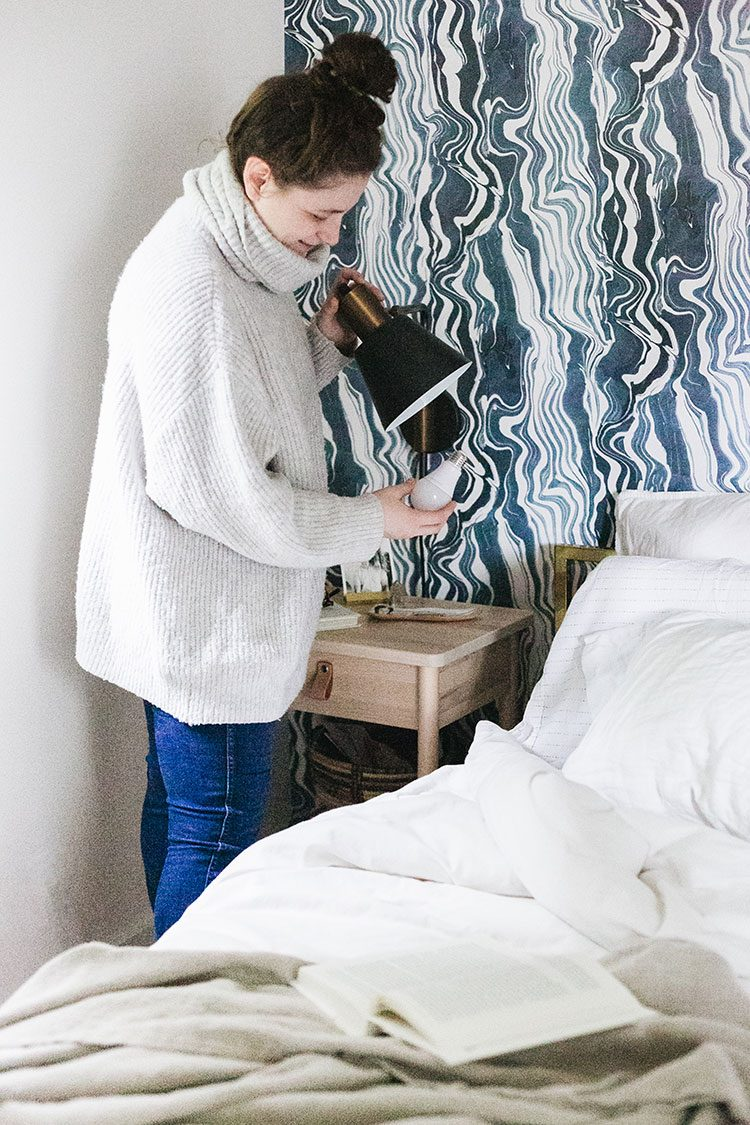 Big Impact Changes to Our Small Bedroom, January home decor small space refresh with @SoraaHome. Learn about the Soraa Home Radiant light bulb and how to get beautiful, white light — even in gloomy, rainy Seattle! #sponsored #SoraaHome #LightMatters #smallspaces #smallbedroom #bedroomrefresh #minimakeover