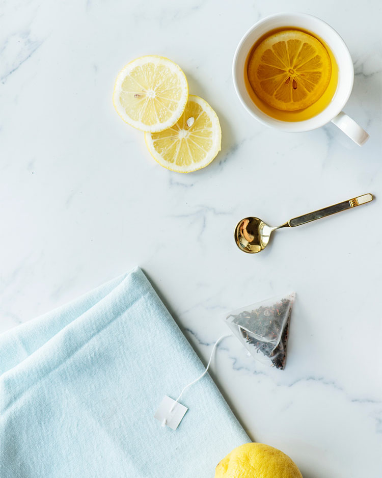 5 Easy Tips to Make Your Winter Cold Better! naturally cure a cold and sniffles with local raw honey, a humidifier, apple cider vinegar, oil of oregano, a hot bath, & more. #wellness #selfcare #naturalcoldcure #naturalcoldremedy #coldremedy