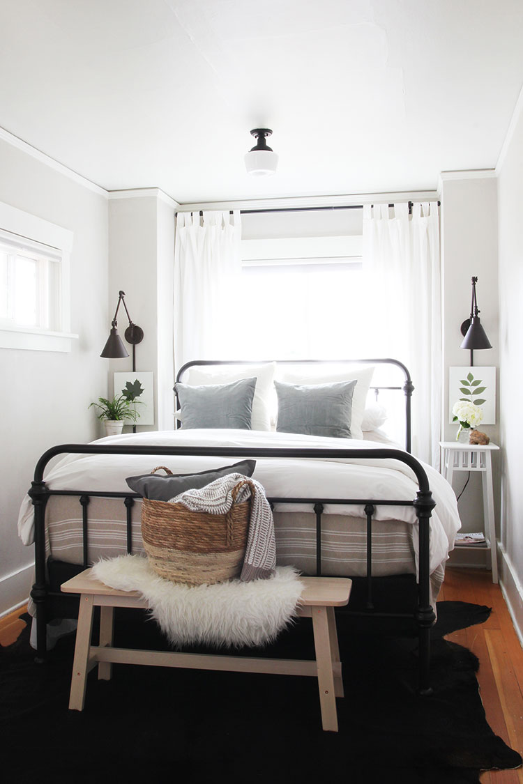Small Space Squad Home Tour: Inside the Charming Vintage Rental of The Grit & Polish @thegritandpolish #smallspaces #tinyhouse #livesmall #smallspacesquad #hometour #housetour #vintagehome #airbnb #renovation #charminghome