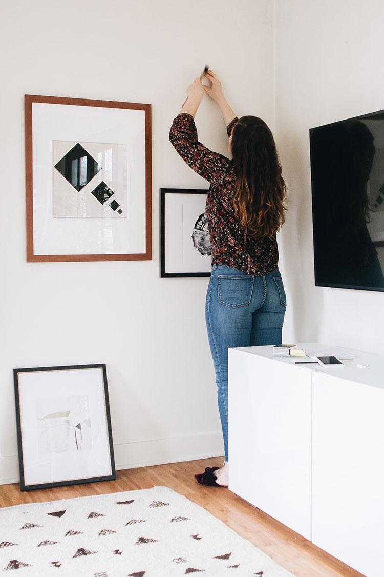 The Best Online Sources to Buy Artwork for Your Home! #artwork #shoppingforartwork #buyingartwork #gallerywall #shoppinglist #homedecor #interiordecor #interiorstyling