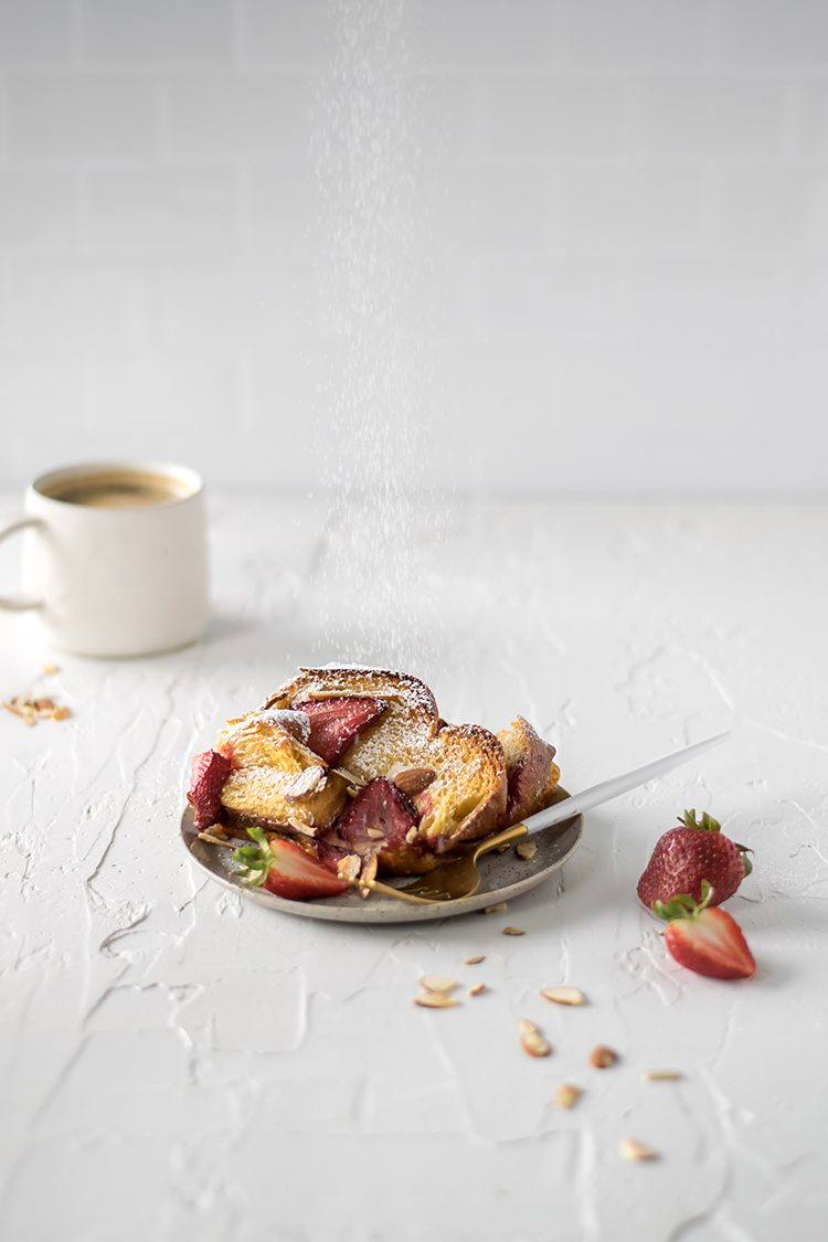 Easy Strawberry Almond Overnight French Toast for breakfast or brunch. #frenchtoast #overnightfrenchtoast #breadpudding #strawberries #almond #amaretto #amarettoliqueur #summerrecipe #springrecipe