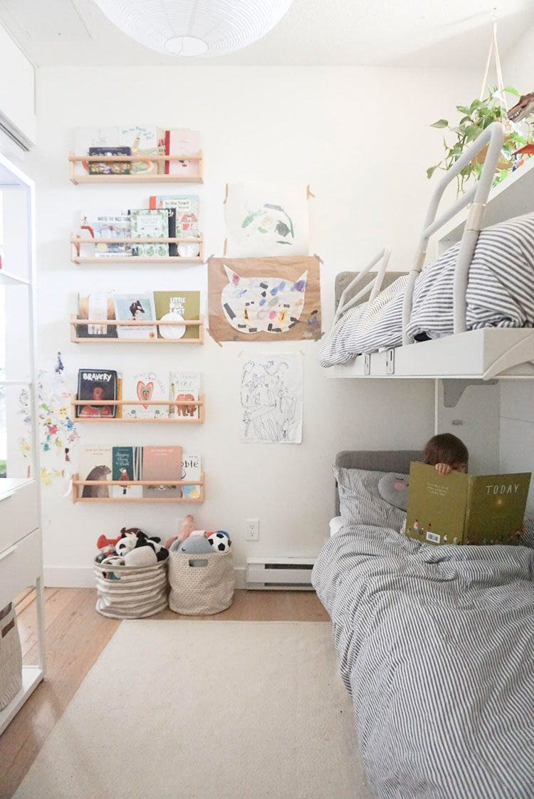 Small Space Squad Home Tour: Inside The Cozy Minimalist Home of 600 Sqft and a Baby. @600sqftandababy #smallspaces #tinyhouse #livesmall #smallspacesquad #hometour #housetour #minimalist #moderndecor