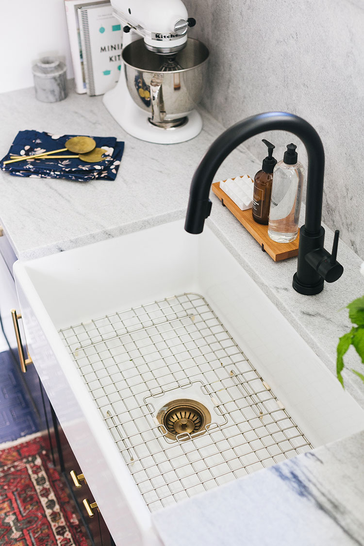 How To Choose The Right Kitchen Faucet For Your Renovation Jojotastic